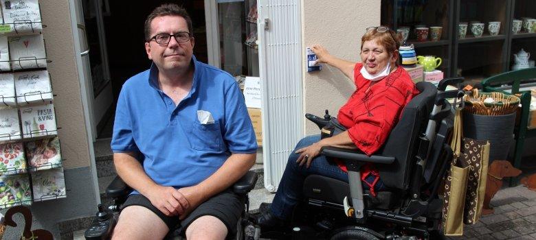 Die städtischen Behindertenbeauftragten Rhett-Oliver Driest und Brigitte Mitsch